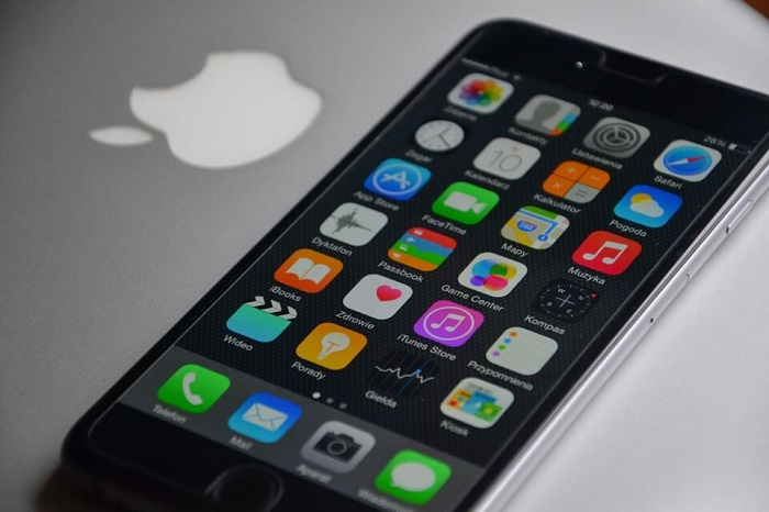 unlocked iphone on macbook